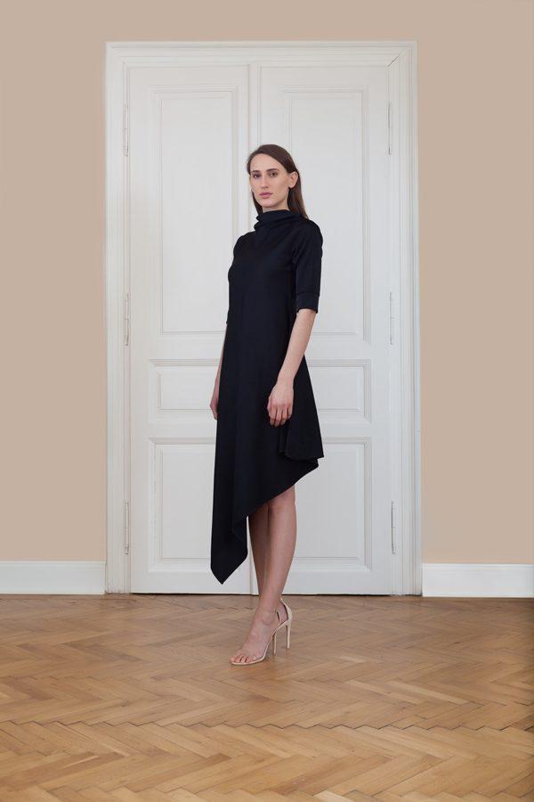 Asymetrické šaty so stojačikom s¾ rukávom