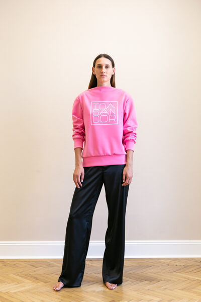 Jumper boatneck pink with white logo 04