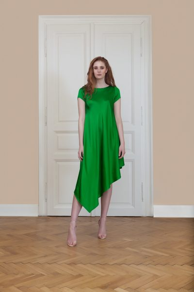 Asymmetric dress with short sleeve 100% silk
